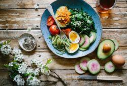 Jídelníček na hubnutí. Zhubnout zdravě díky stravě není složité!
